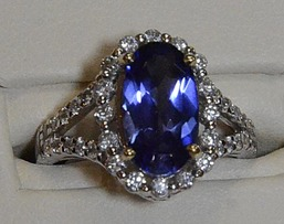 Ladies rings, gold, diamonds, sapphire, ruby, emerald, local jewelers in NJ