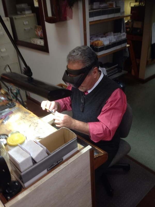 Jewelry cleaning, polishing, repairs, eye glass repairs, ring sizing, ring mounting, NJ, Lee Richards Fine Jewelry, NJ